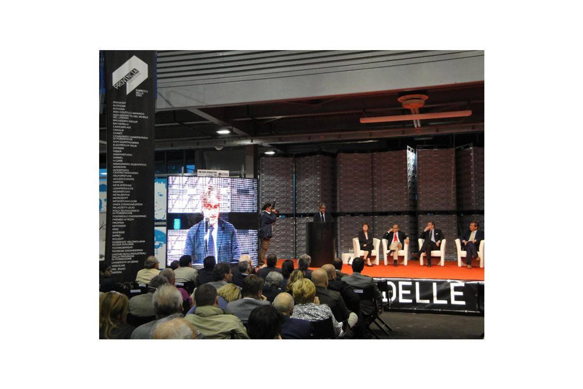 President Renzo Tondo visit our desk at 'Fabbrica delle Idee'